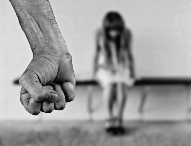 В Приморье злоумышленник вошел в доверие к женщине, а затем убил её