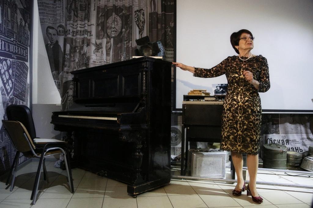 Профессию тапера и немые фильмы возродили в Новосибирске