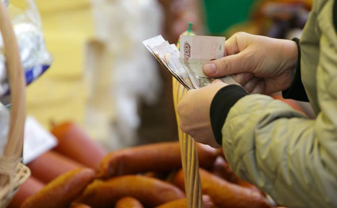 Бумага, крахмал и мочевой пузырь: что добавляли в колбасу в СССР