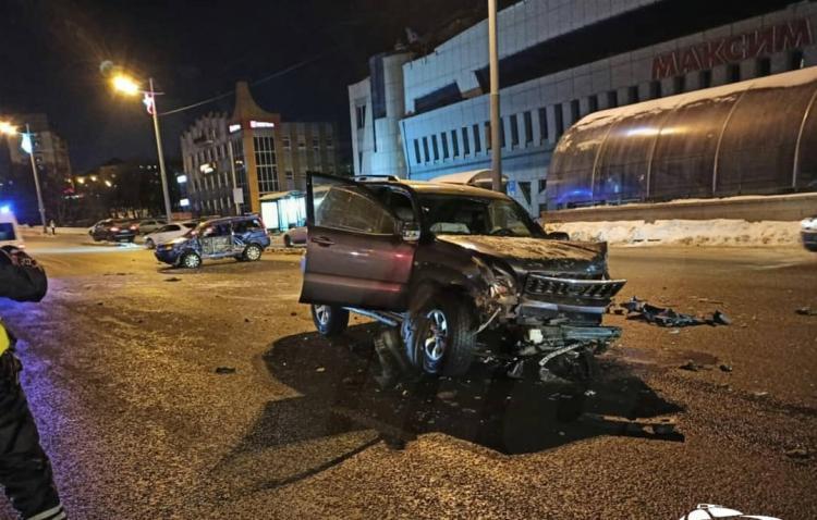 Жёсткое массовое ДТП с пострадавшими случилось ночью во Владивостоке