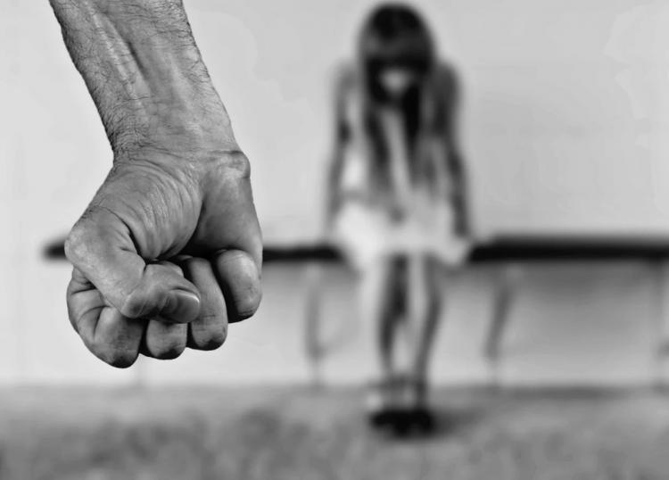 Женщина скончалась от ударов по голове в Приморье