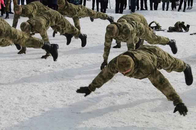 Курсанты военного института удивили искитимцев