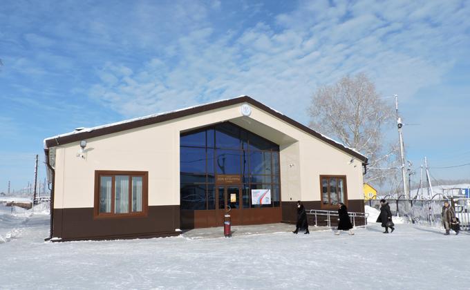 Дом культуры, похожий на дворец, открыли в Искитимском районе