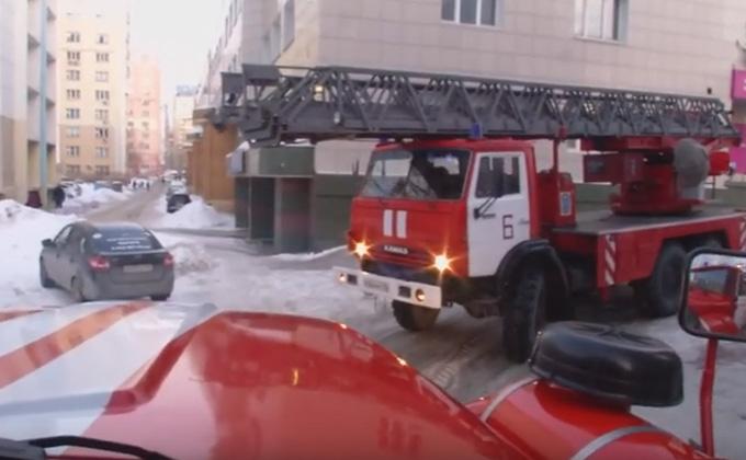 Пожарные не могут проехать по дворам Новосибирска