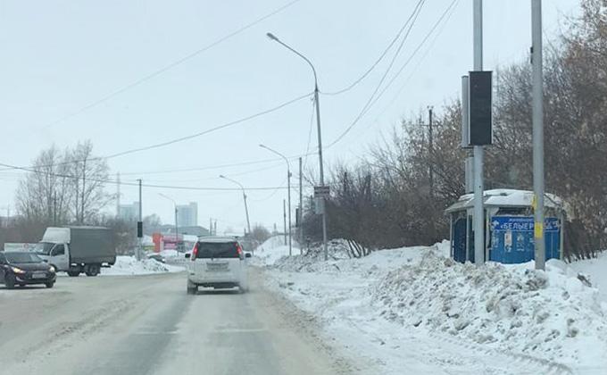 Жители «Просторного» выключили светофор, парализовавший движение