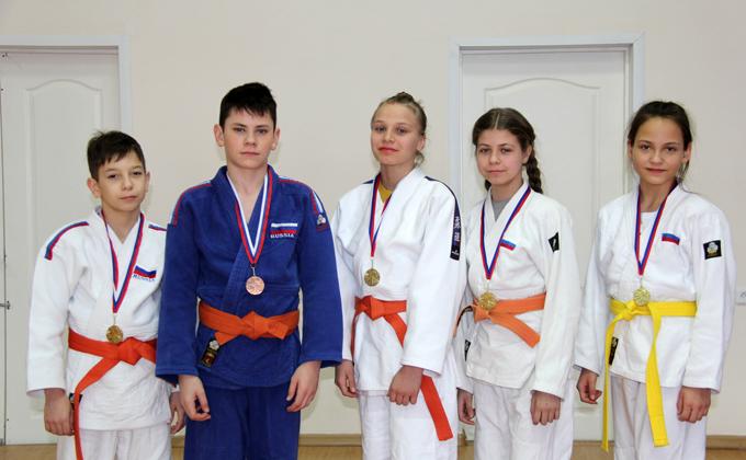 Школьники из Венгерово вошли в Новосибирскую сборную по дзюдо