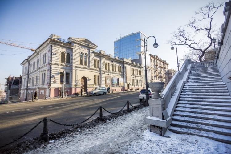 Картинная галерея во Владивостоке приглашает в гости