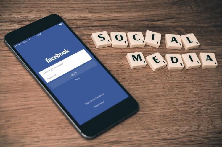 Facebook попытался избежать скандала