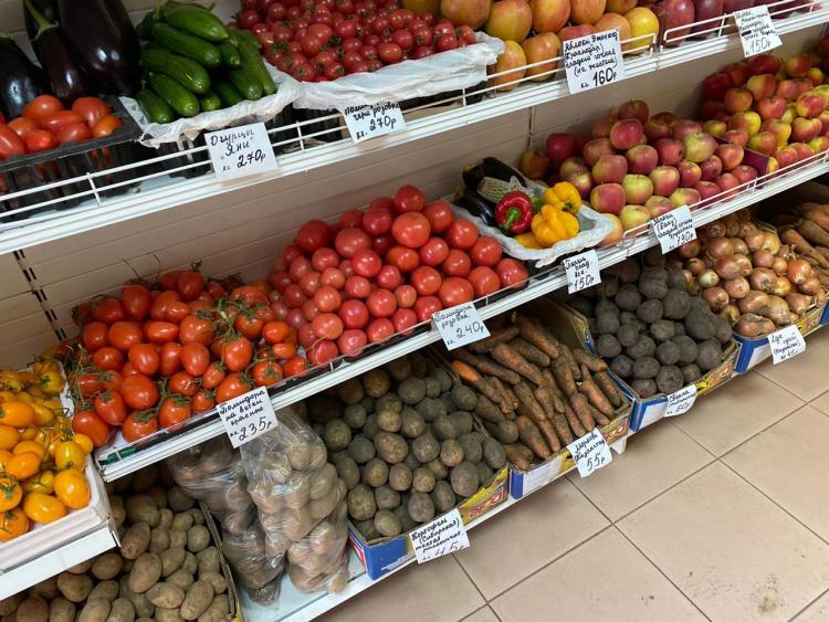 Приморцы жалуются на подорожание овощей на горячую линию