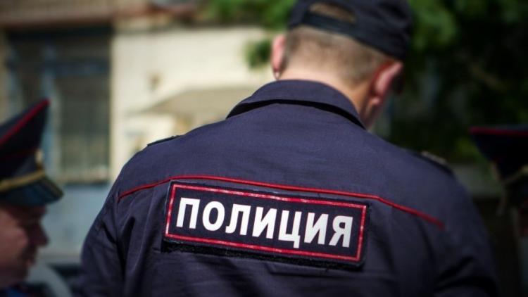В Приморье грабитель во время задержания кидался на полицейского