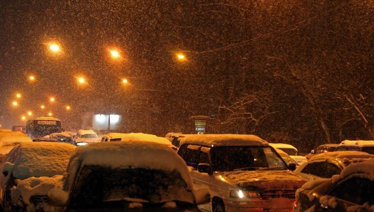 Снег, гололёд, сильный ветер: Синоптики рассказали, чего ждать от циклона