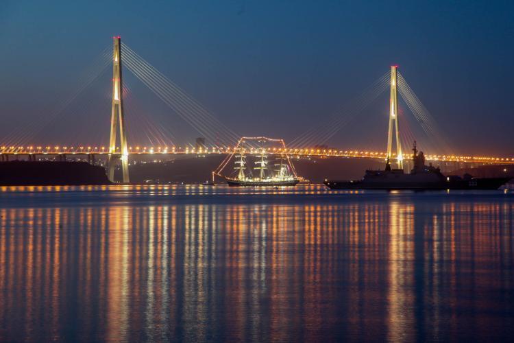 Российские министры были против Русского моста. Путин настоял