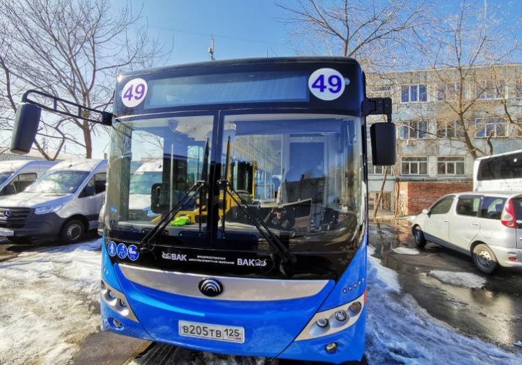На маршруты Владивостока вышли два новых автобуса китайского производства