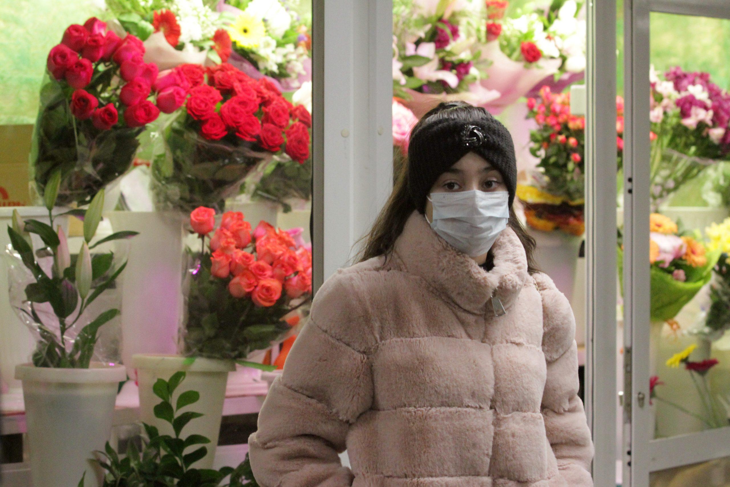 Зараженная коронавирусом жительница Новосибирска три дня назад прилетела из Парижа