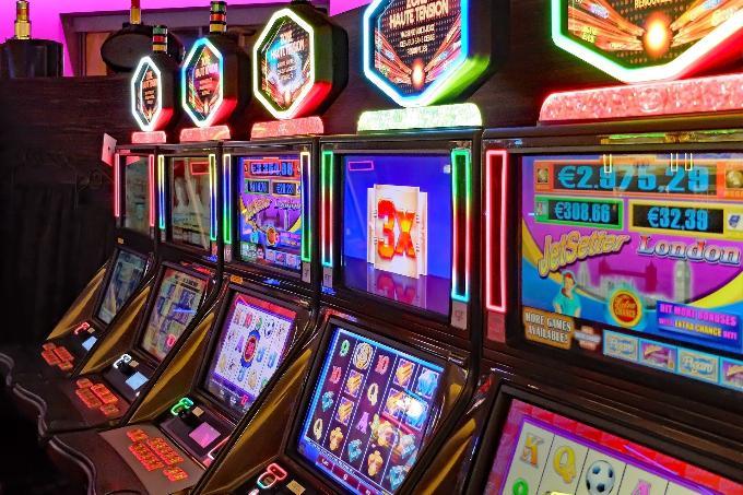 Организаторов подпольного казино будут судить в Новосибирске
