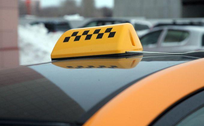 Половина таксистов Новосибирска нарушают правила перевозки пассажиров