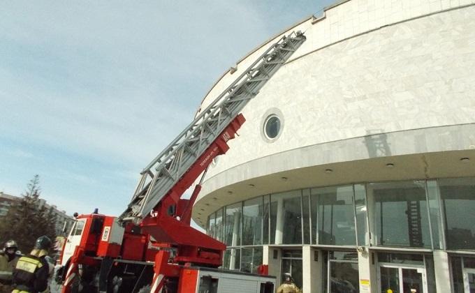 Зрителей театра «Глобус» эвакуировали из-за пожара