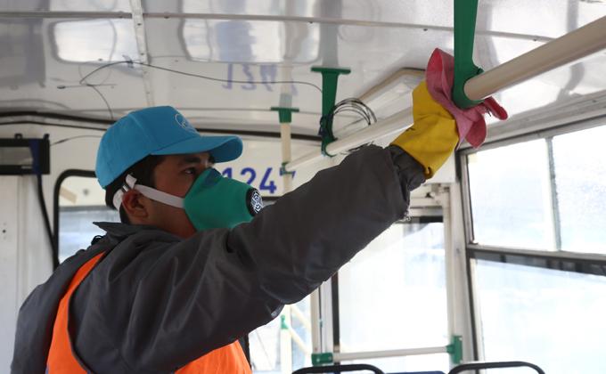 Новосибирцы стали реже ездить в троллейбусах из-за коронавируса