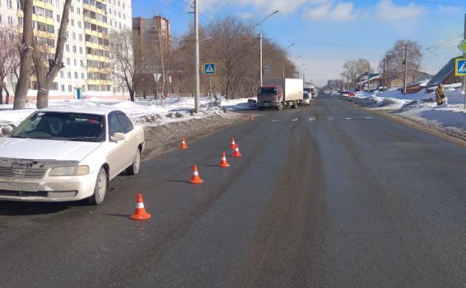 Беременная несовершеннолетняя попала под колеса седана в Ленинском районе