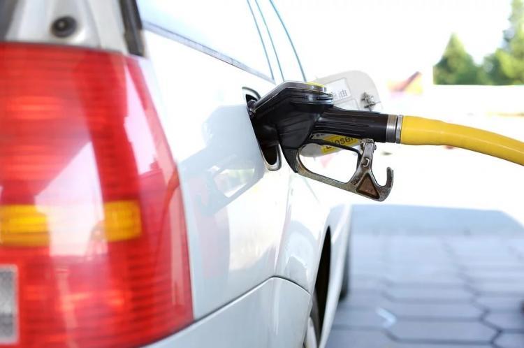Топливо в Приморье с начала 2020 года подорожало более чем на 2%