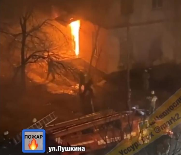 В Приморье спасены три женщины во время пожара в жилом доме