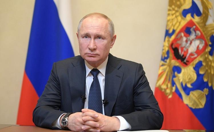 Путин - о повышенных больничных и новых налогах из-за коронавируса