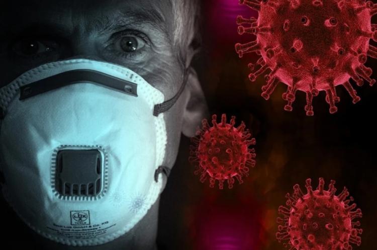Назван период, когда носители коронавируса наиболее опасны