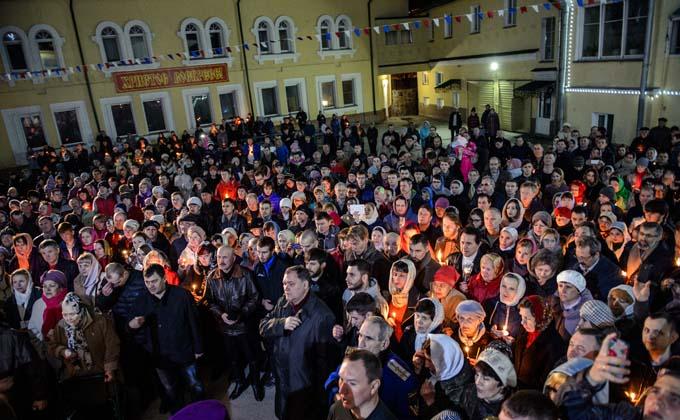 Молиться дома на Пасху призвал патриах Кирилл: коронавирус еще в России