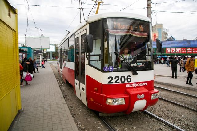 Без трамваев на неделю оставят улицу Сибиряков-Гвардейцев