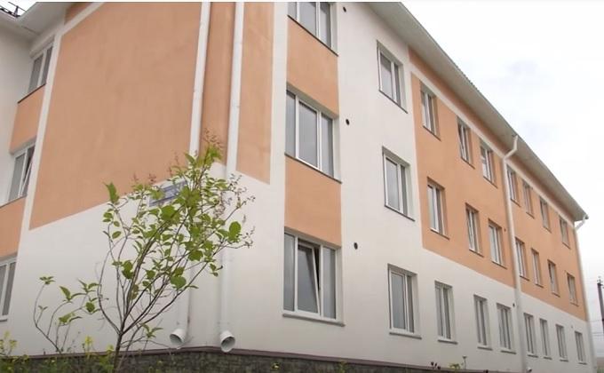 Квартиры в новом доме получили жители двух ветхих бараков в Чулыме