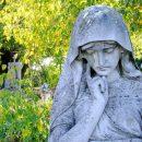 Въезд на кладбища закрыли в Троицкую родительскую субботу