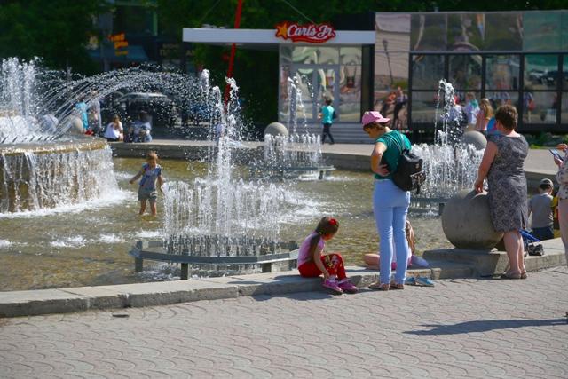 Валерий Науменко: «Включаем городские фонтаны»