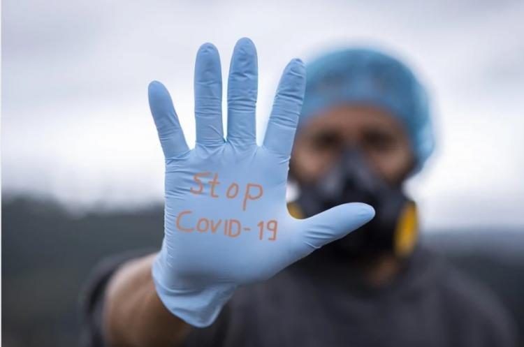 «Это самое страшное»: Патологоанатом – о главных загадках коронавируса