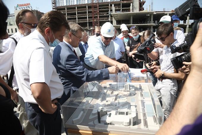 Реконструкция главного долгостроя Новосибирска продолжается в год коронавируса