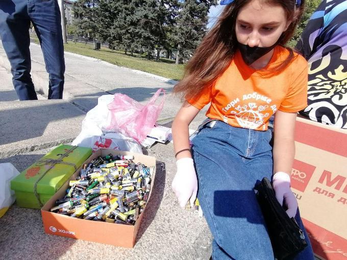 Сладости за мусор - экологическая акция стартовала в Новосибирске