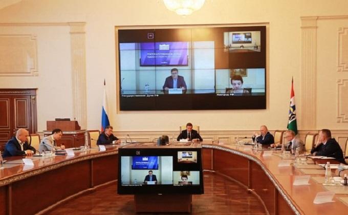 Андрей Турчак предложил новосибирцам ускорить обсуждение поправок в Трудовой кодекс