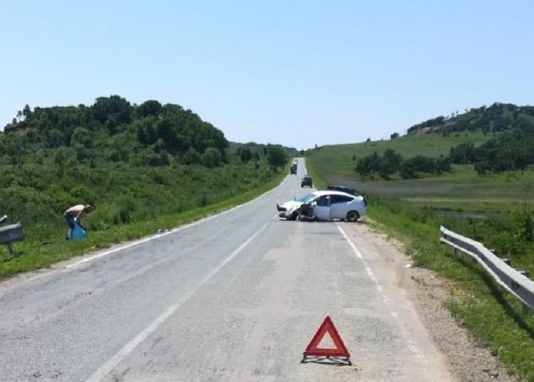 Грудной ребёнок пострадал в ДТП, которое произошло из-за ямы на дороге
