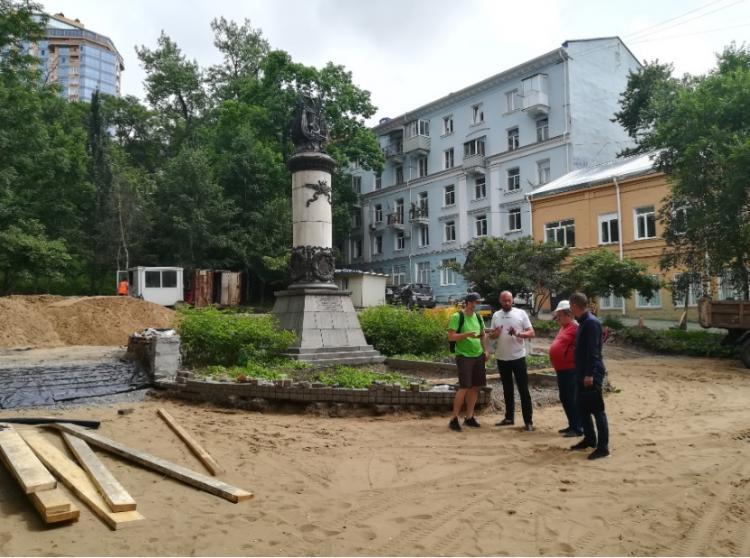 Общественные наблюдатели оценили качество работ в пяти скверах Владивостока