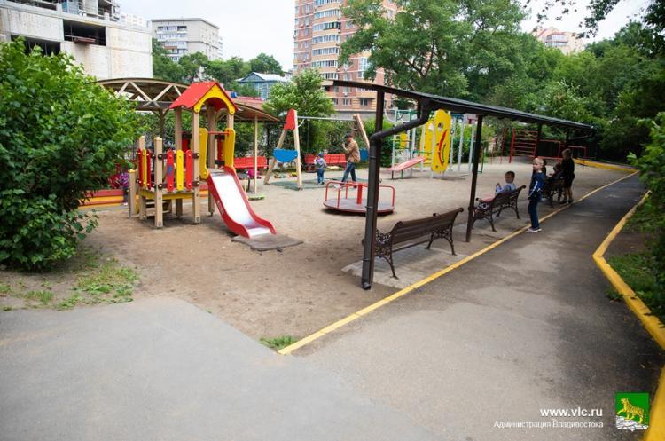 Смотр-конкурс «Доступная среда»: комиссия оценивает благоустройство дворов