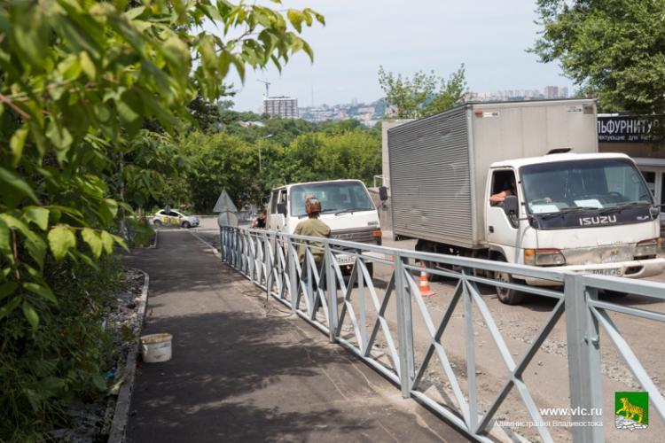 На пяти улицах Владивостока проводят комплексный ремонт