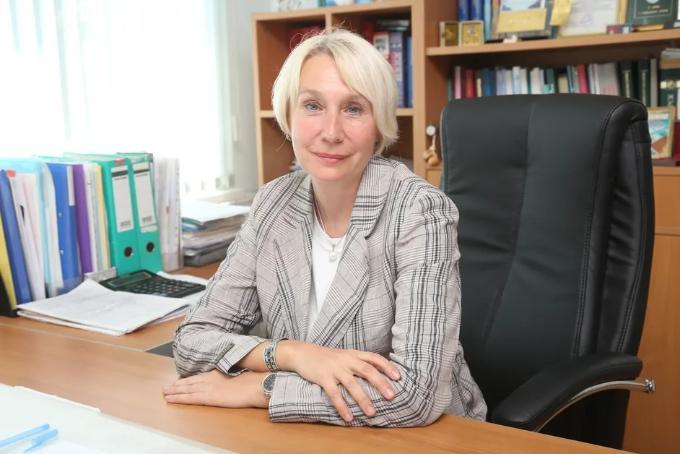 Лариса Позднякова: «В больницах стало много свободных коек, но не в реанимациях»