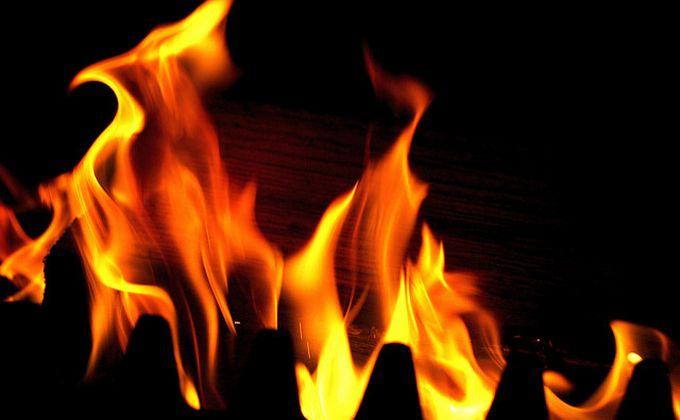 Киоск с шаурмой загорелся на площади Маркса в Новосибирске