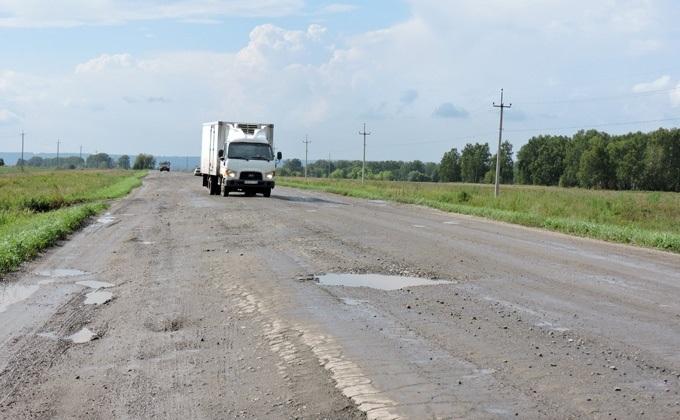 «Убитую» дорогу под Искитимом проверил Минтранс после письма губернатору