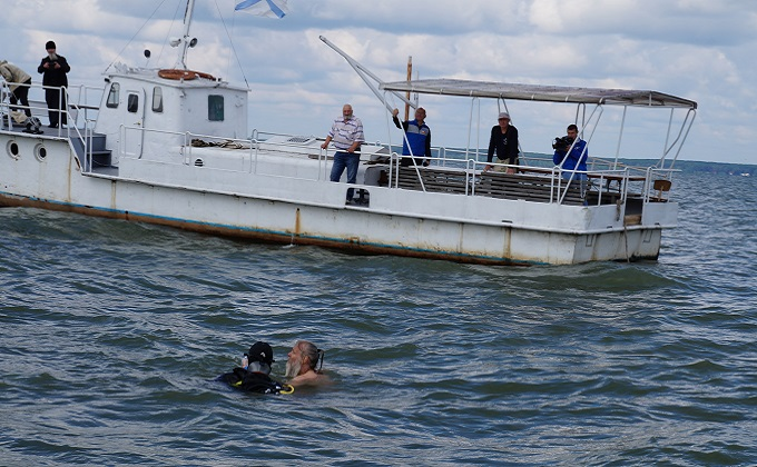 Море «отпустило» статского советника: надгробие Ларионова подняли со дна