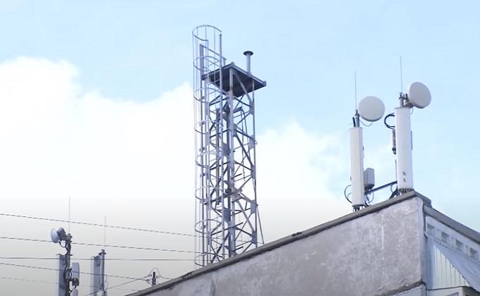 Антенны сотовой связи разрушают дом в Первомайке