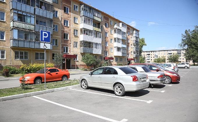 Комплексный подход в благоустройстве дворов показали губернатору в Бердске