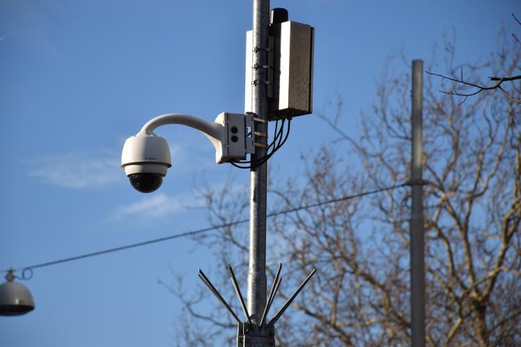 Во Владивостоке 23 видеокамеры фиксируют нарушения масочного режима