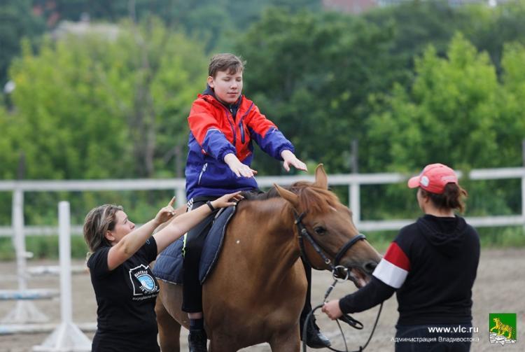Во Владивостоке 11 августа стартует социальный проект «Хрустальный мир»