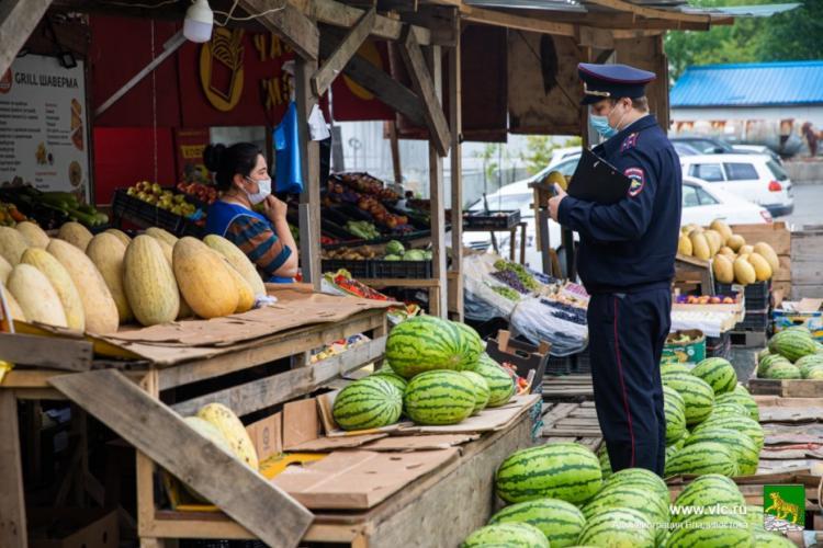 Продавцов арбузов и дынь привлекли к ответственности во Владивостоке