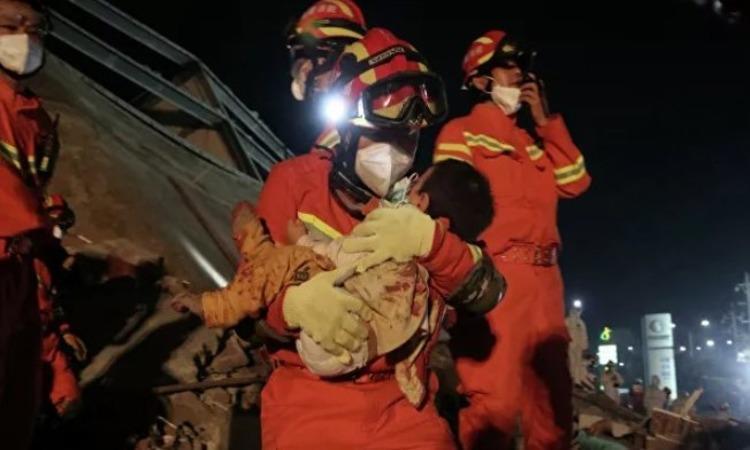 В Китае число жертв обрушения отеля достигло 29 человек